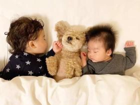 日本妈妈每天给狗狗和孩子拍照,这画风…也太可爱了吧!