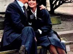 """有一种无条件的爱,叫""""我爱你,你随意""""— —纪梵希与赫本"""