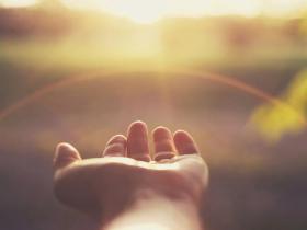 世上所有的福气,都是你积攒的善良和努力