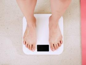 怎么控制自己的体重?4个好办法,做好哪一条都会有惊喜!