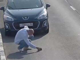 俄罗斯某高速公路上的监控录像