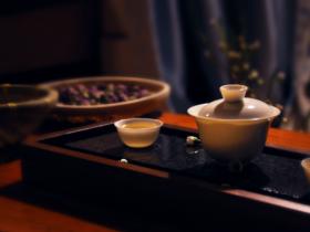 关于茶的意境的句子 形容茶意境的唯美句子